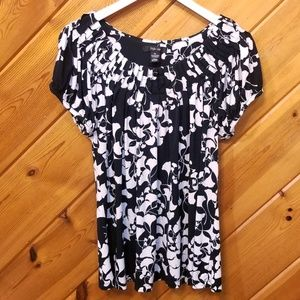Style and Co Black and White Floral Blouse XL